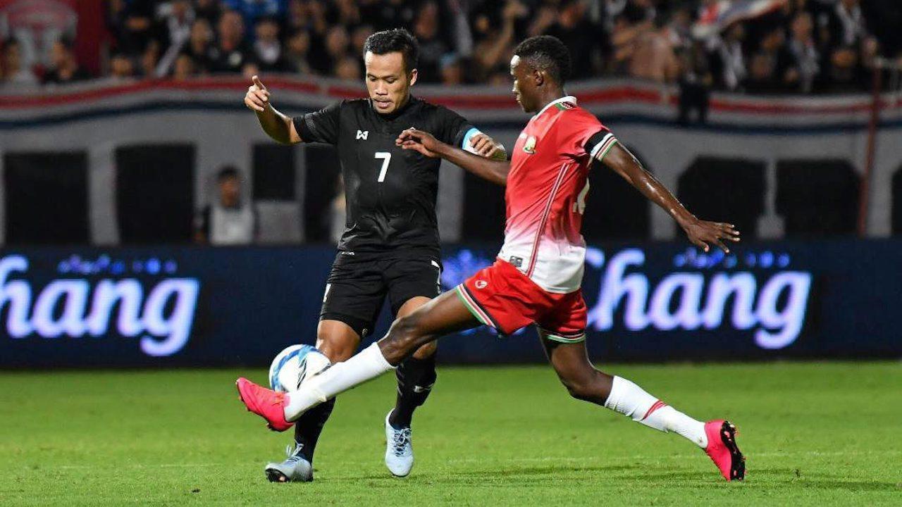 """แฟนบอลเฮ ฟีฟ่ารับรอง """"ดัสกร"""" ติดทีมชาติไทยครบ 100 นัด"""
