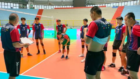 """""""ตบหนุ่มไทยยู-21"""" เน้นบอลเสิร์ฟรับมืออิตาลี ศึกลูกยางชิงแชมป์โลก"""