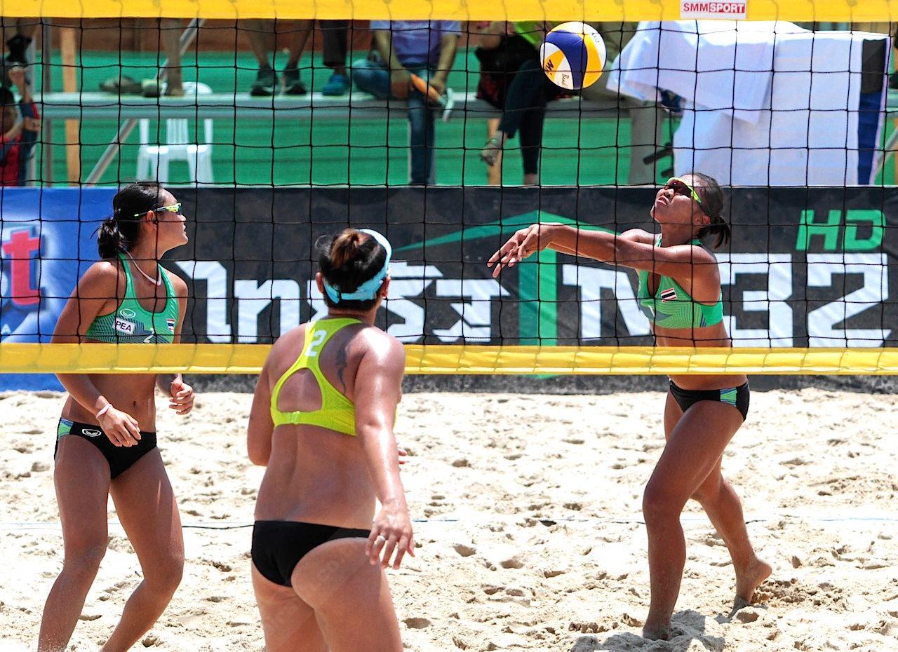 วอลเลย์บอลชายหาด
