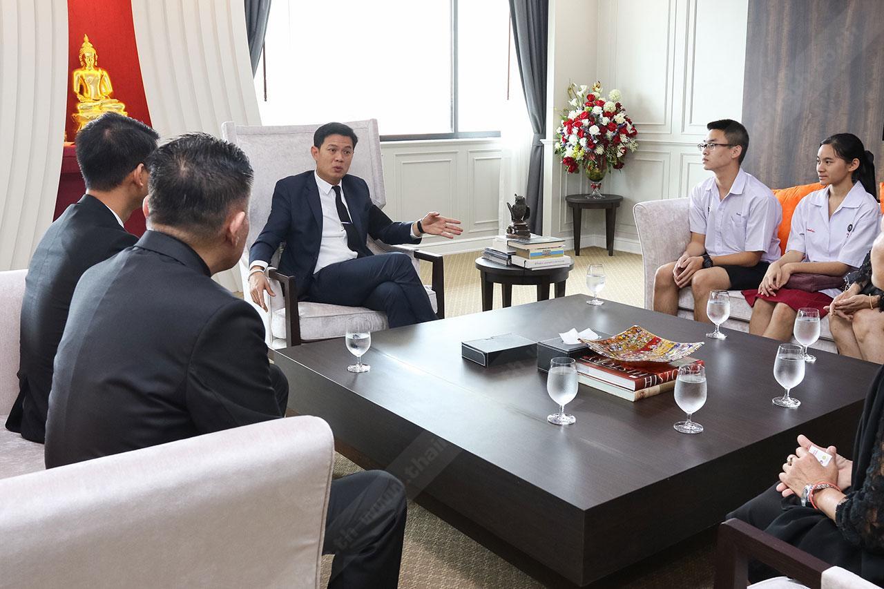 บรรยากาศการพูดคุยกับ 2 ตัวแทนเด็กไทย