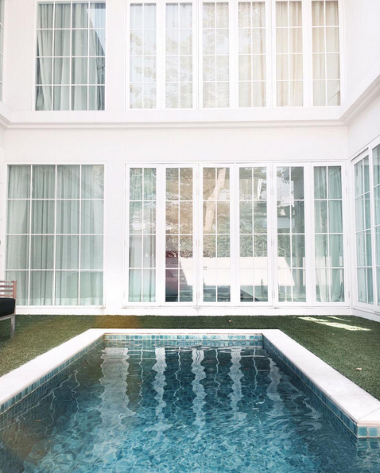 สระว่ายน้ำที่บ้าน