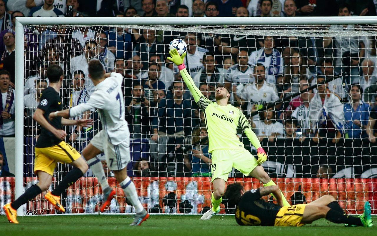 โรนัลโด กดเต็มข้อให้ราชันหนีห่าง 2-0