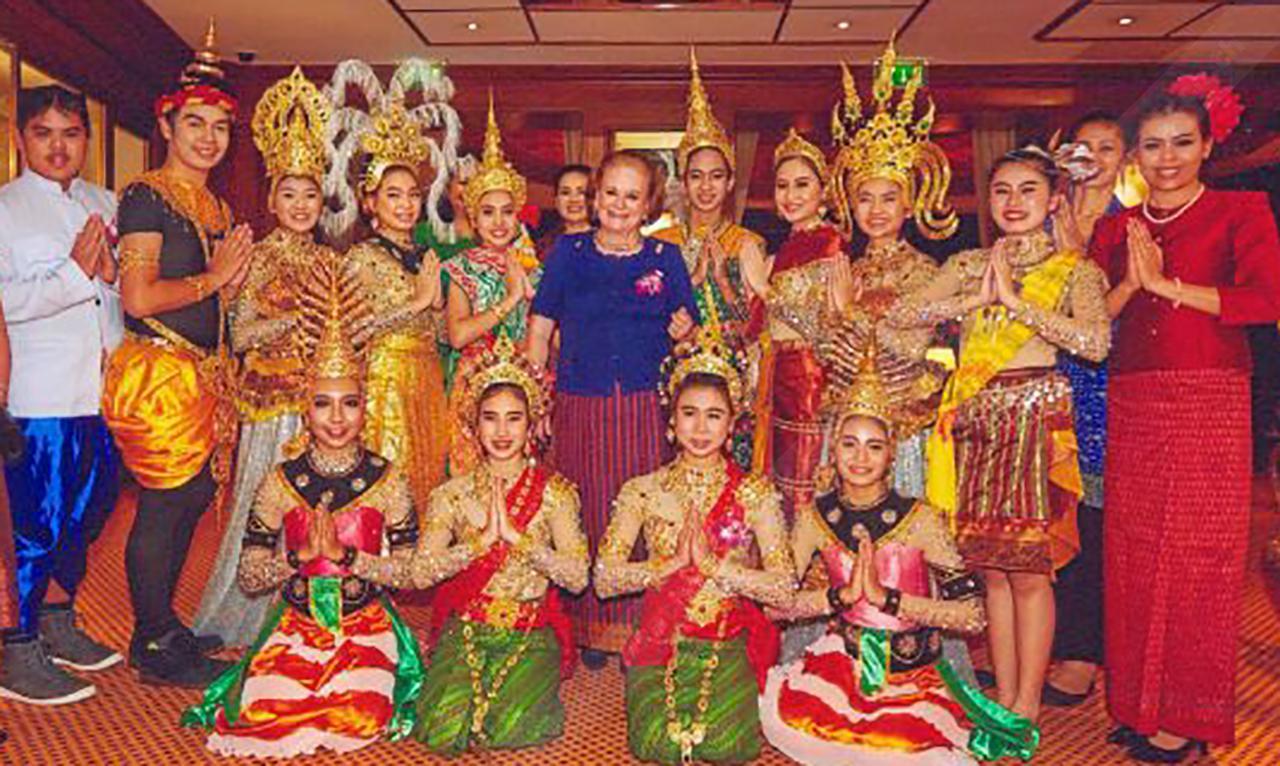 สัมพันธ์ไทย–เยอรมนี คุณหญิงบาร์บาร่า ริฟเนอร์ กงสุลกิตติมศักดิ์ ณ นครมิวนิก เยอรมนี จัดงานระลึกความสัมพันธ์ไทย-เยอรมนี ที่โรงแรมเคมเปนสกี้ มิวนิก มีชาวไทยและชาวต่างชาติไปร่วมงานกันคับคั่ง.