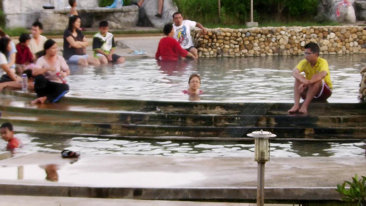 'น้ำพุร้อนเค็มคลองท่อม' น้ำพุเค็มแห่งเดียวในประเทศไทย