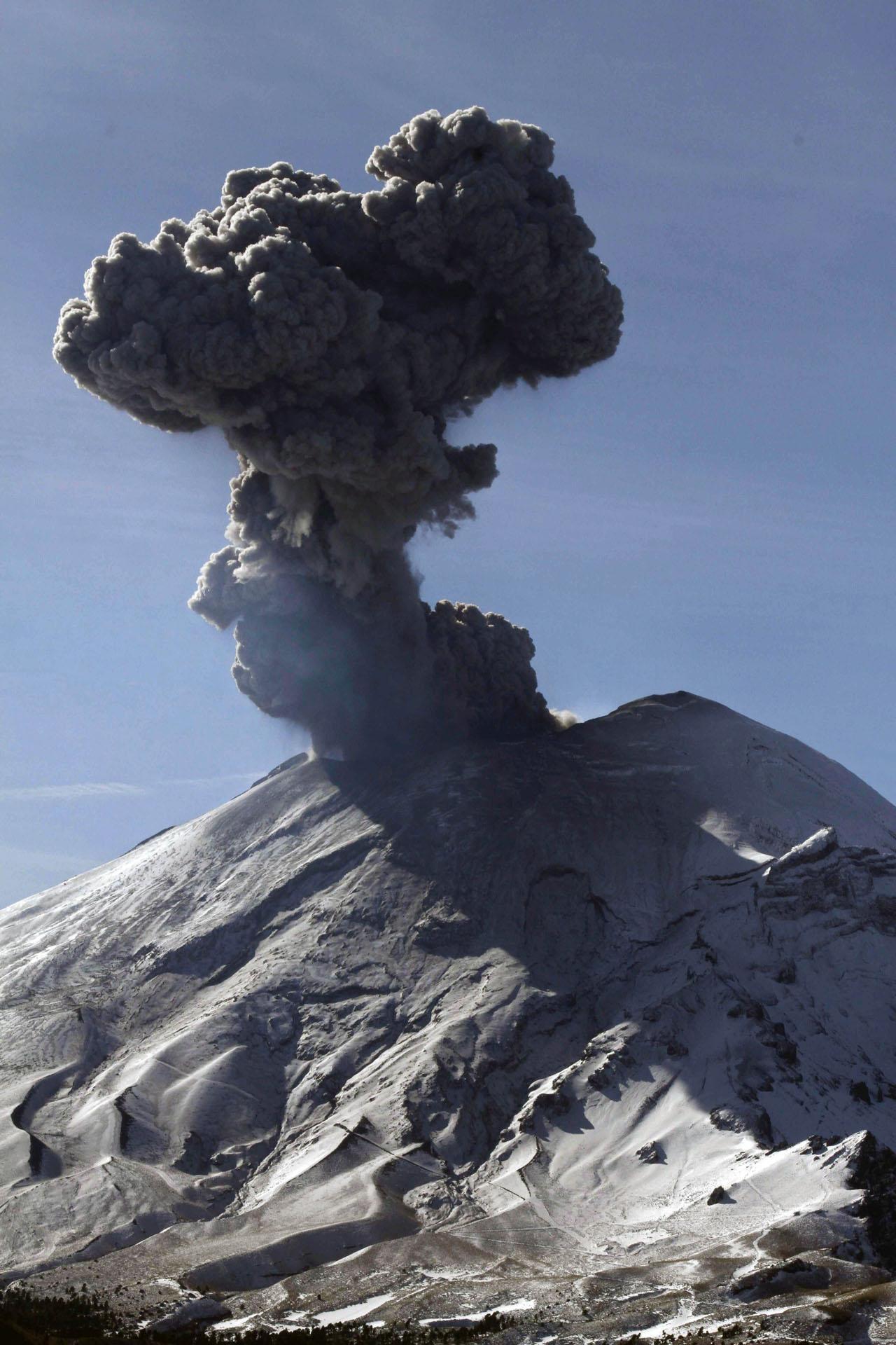 ภูเขาไฟส่งปีเก่า