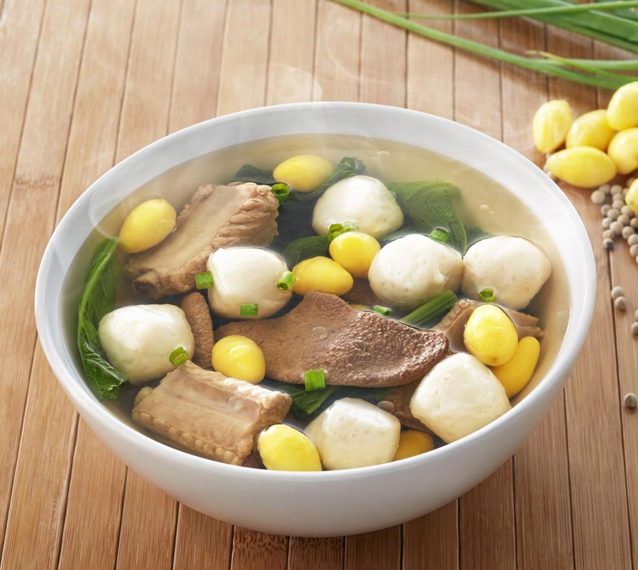 ซุปกระดูกหมูลูกชิ้นปลา