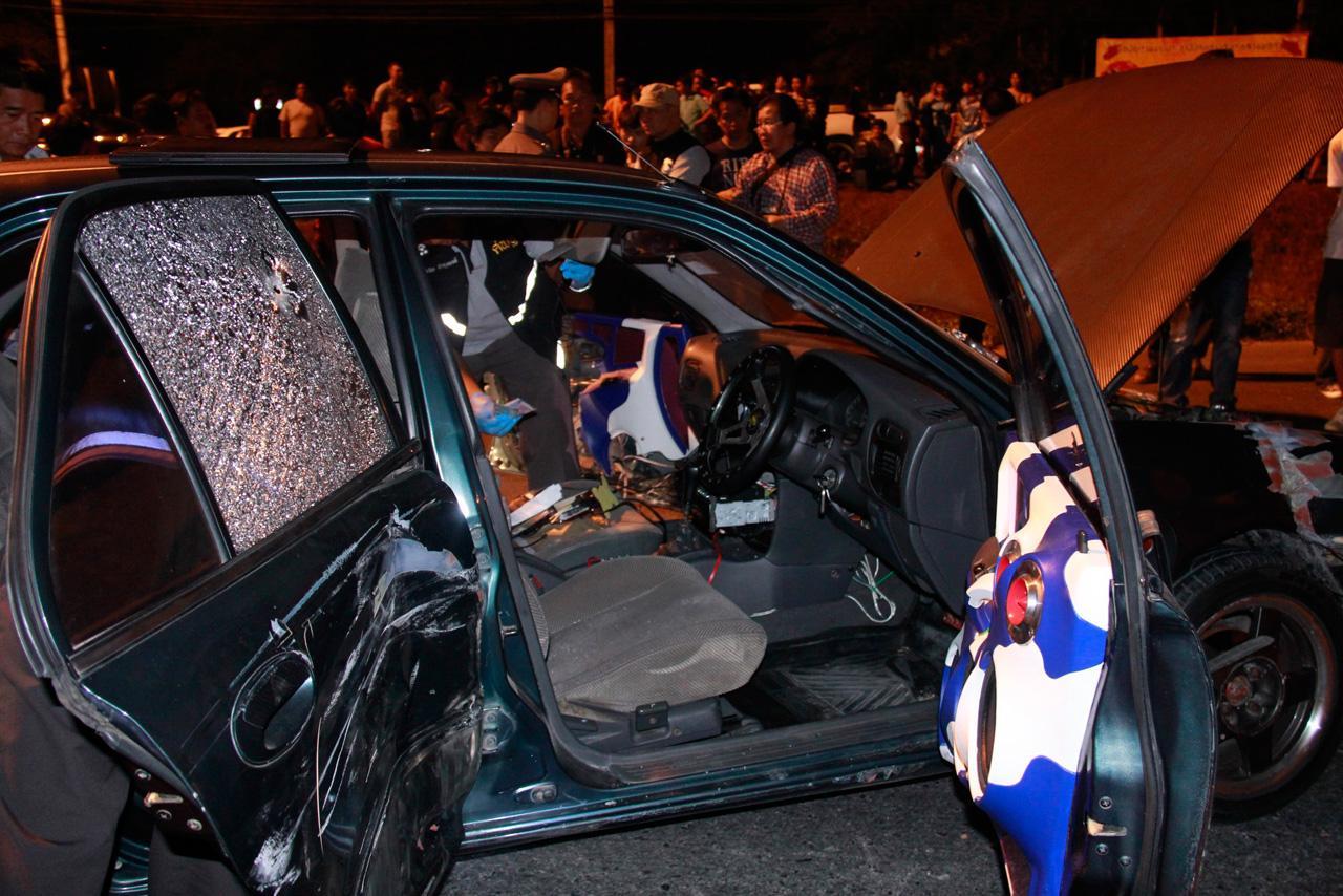 สภาพรถคนร้ายที่ใช้หนีตำรวจ