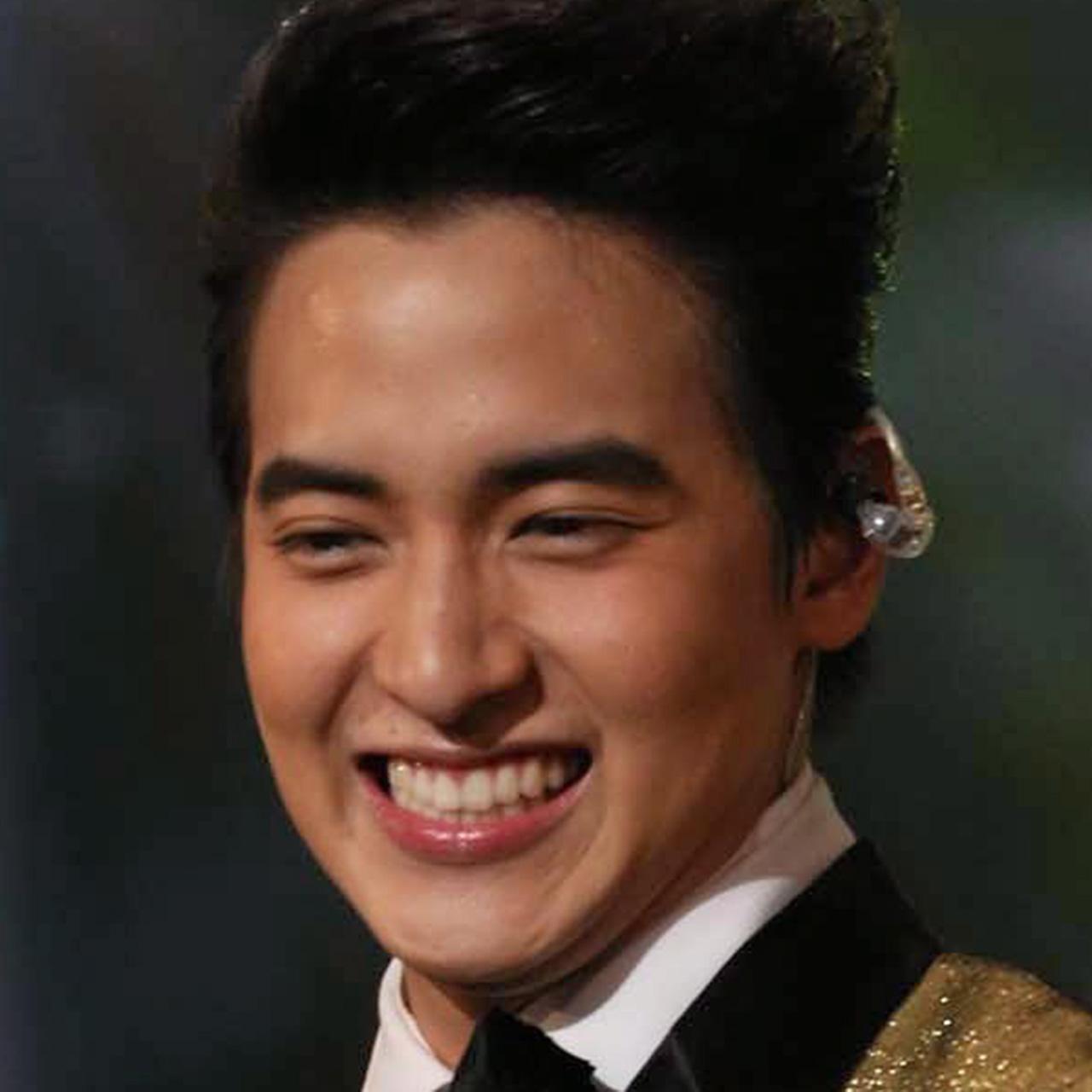 สมกับไปร่ำเรียนที่เกาหลี เพราะได้ เห็นสเต็ปเทพของ เจมส์จิ ก็ตอนเต้นแบตเทิลกะ ฮั่น เดอะสตาร์ นี่แหละ บอกเลย เคป๊อปก็เคป๊อป เหอะ.