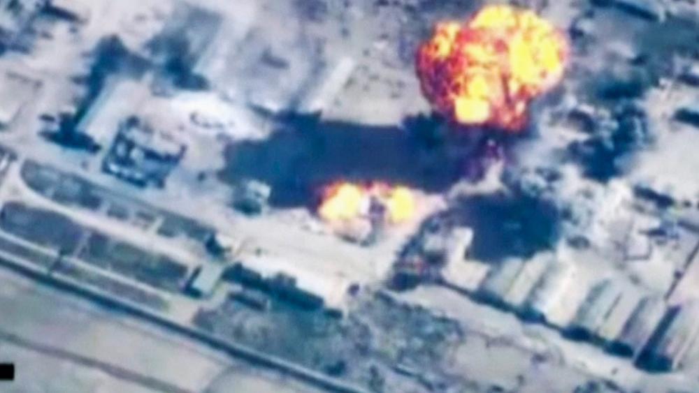 การโจมตีทางอากาศของจอร์แดน ณ สถานที่ที่ไม่มีการระบุตำแหน่งชัดเจนในซีเรีย (ภาพ: AP Photo/Jordan TV)