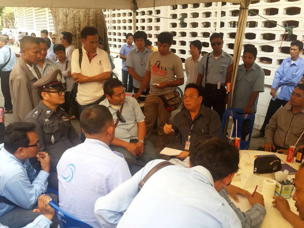ผู้ประกอบการแท็กซี่เมืองพัทยาเข้าร้องเรียนกับทหาร