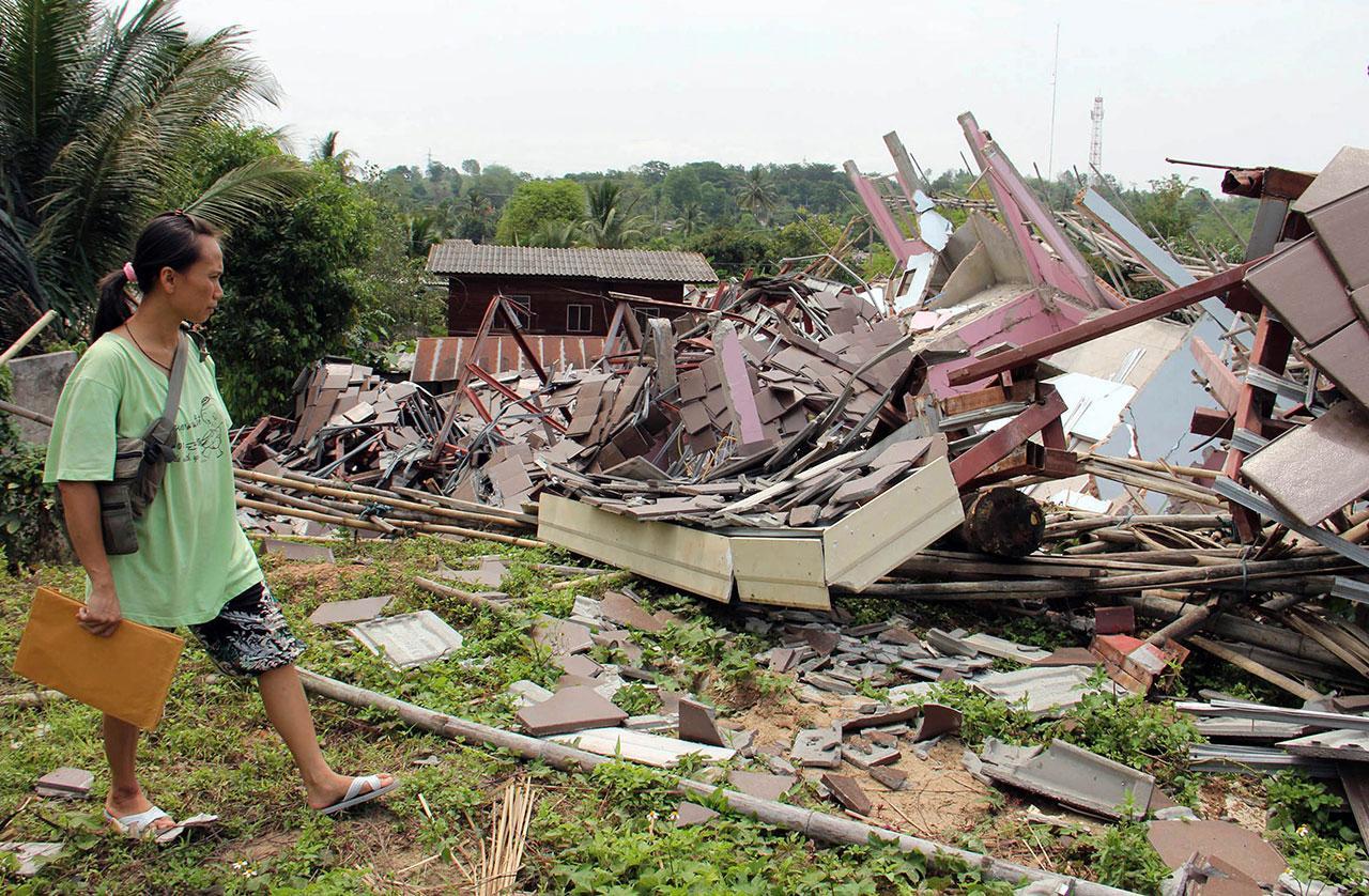 อาคาร บ้านเรือน ได้รับความเสียหายอย่างหนัก