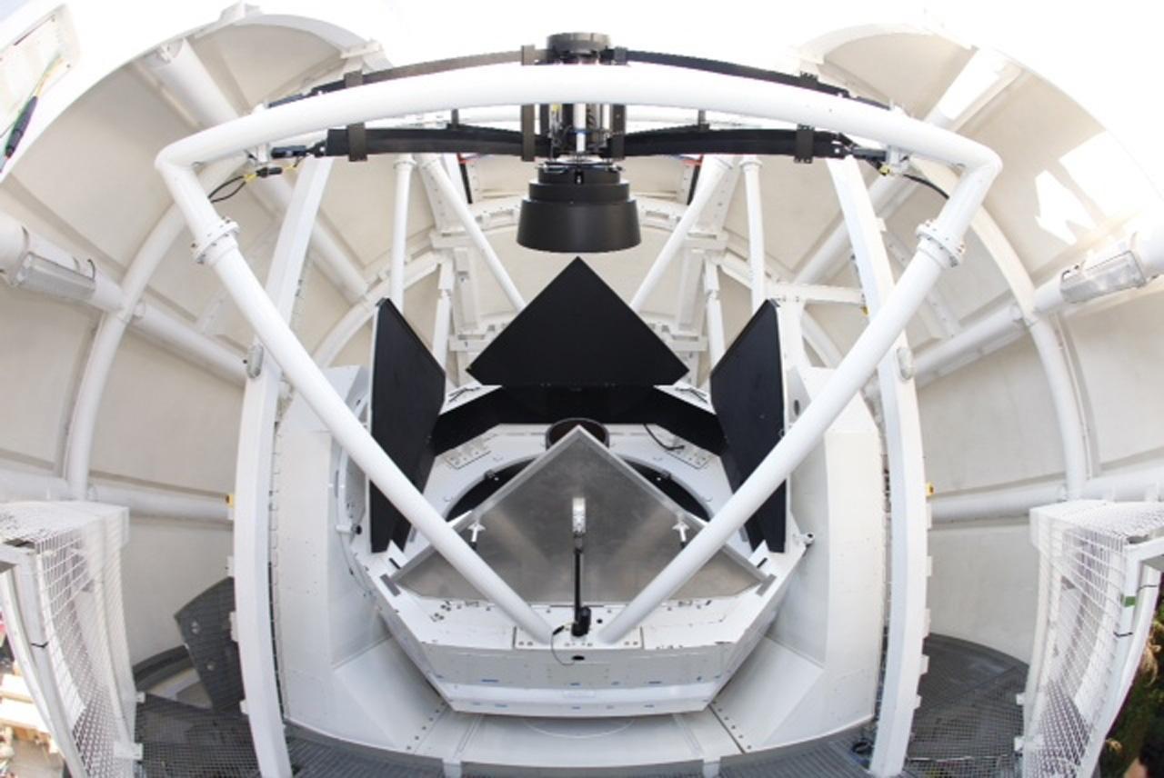 กล้องโทรทรรศน์ขนาด 2.4 เมตร