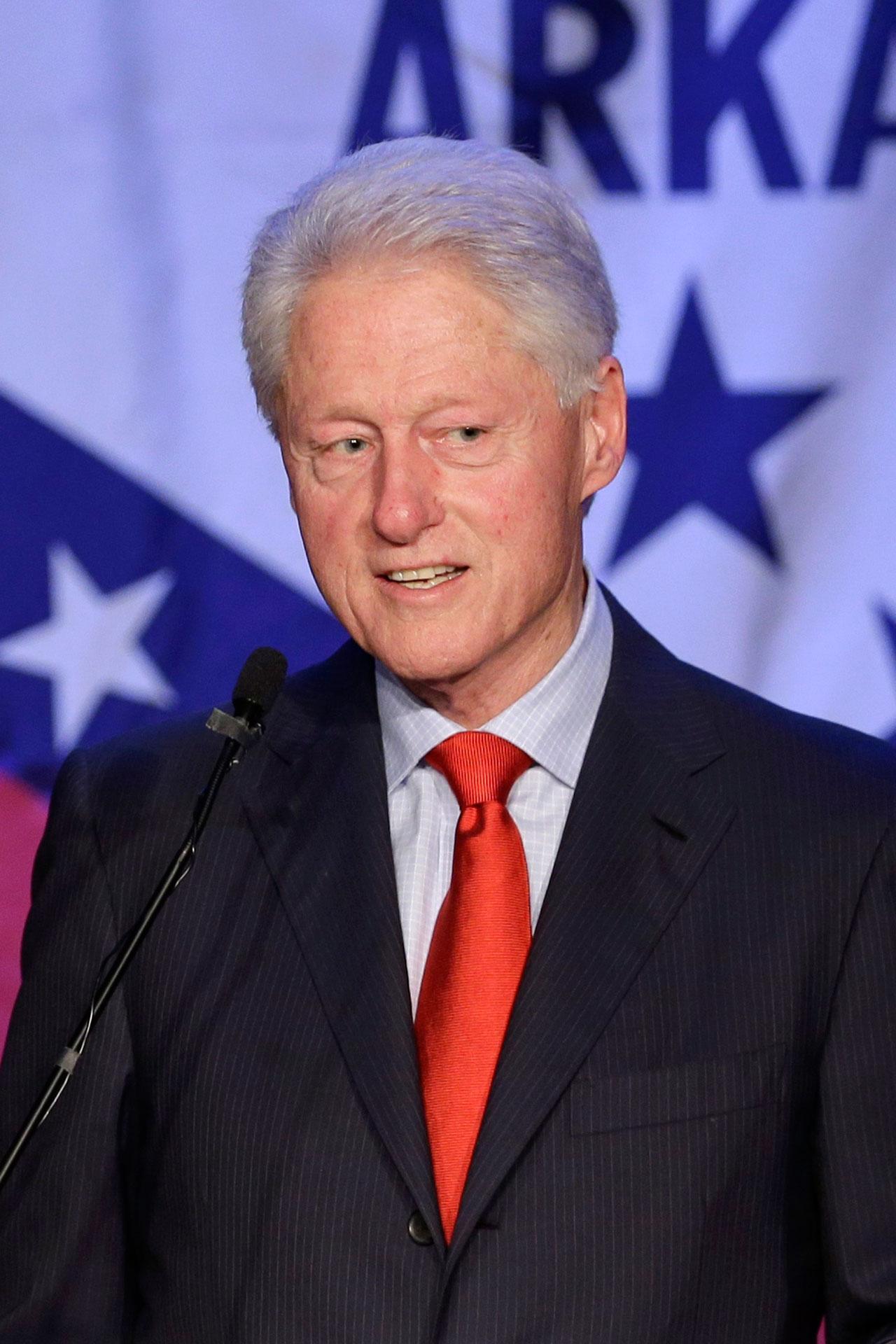 บิล คลินตัน เคยเจอ'มรสุม 'มีความสัมพันธ์ลึกซึ้งกับลูวินสกีจนเกือบจะพ้นจากตำแหน่งผู้นำสหรัฐฯ