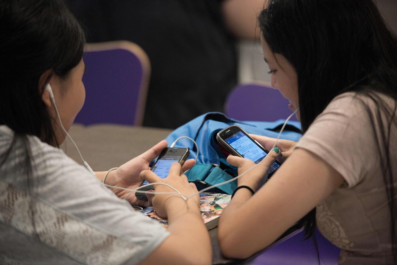 สมาร์ทโฟนถูกนำไปใช้อย่างแพร่หลาย ทั้งการสื่อสาร โซเชียล และความบันเทิง