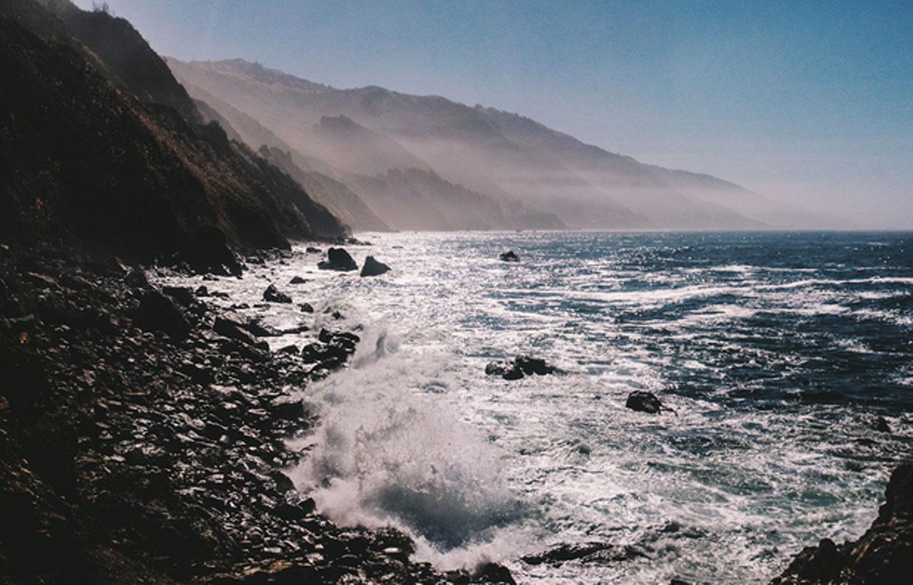 ความสวยงามของท้องฟ้าและน้ำทะเล