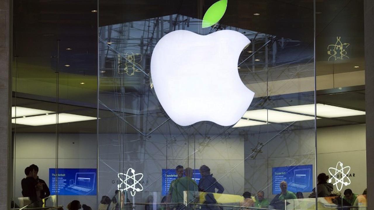 ไอโฟน รุ่นใหม่จะมีทั้งไอโฟน 6 ขนาดจอ 4.7 นิ้วและ ไอโฟน แอร์ ขนาดจอ 5.5 นิ้ว