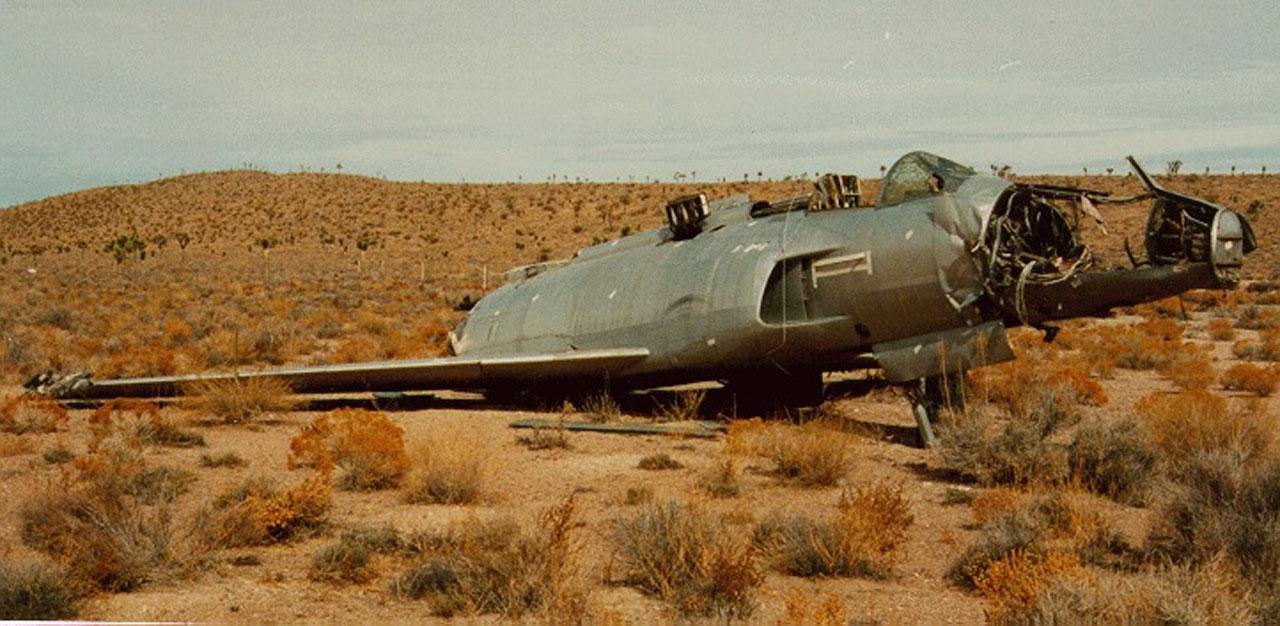 เครื่องบิน เอ็กซ์เอฟ-90 จอดเป็นซากในทะเลทรายเนวาดา
