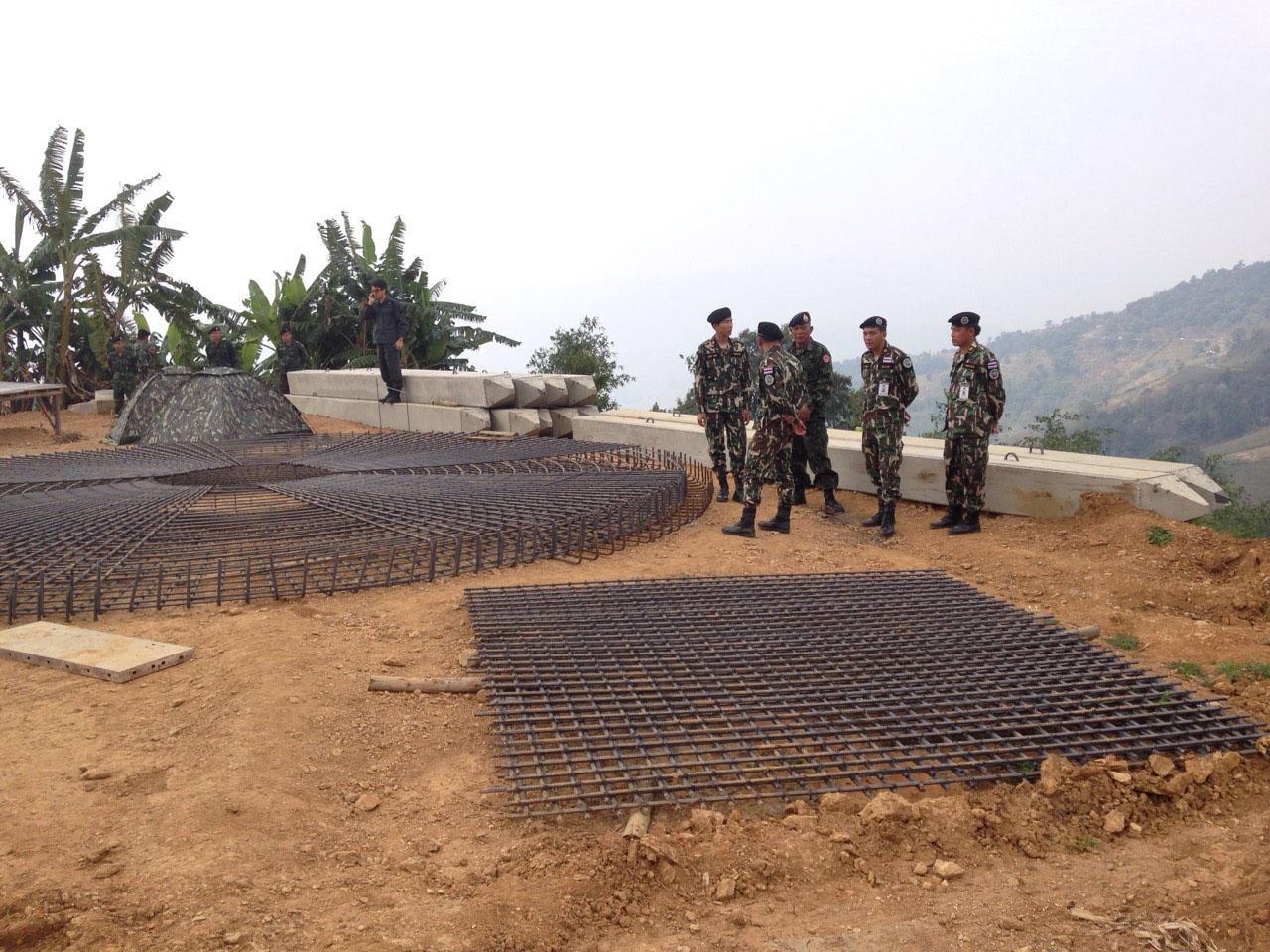 ทหารเข้ายึดวัสดุก่อสร้างเจดีย์
