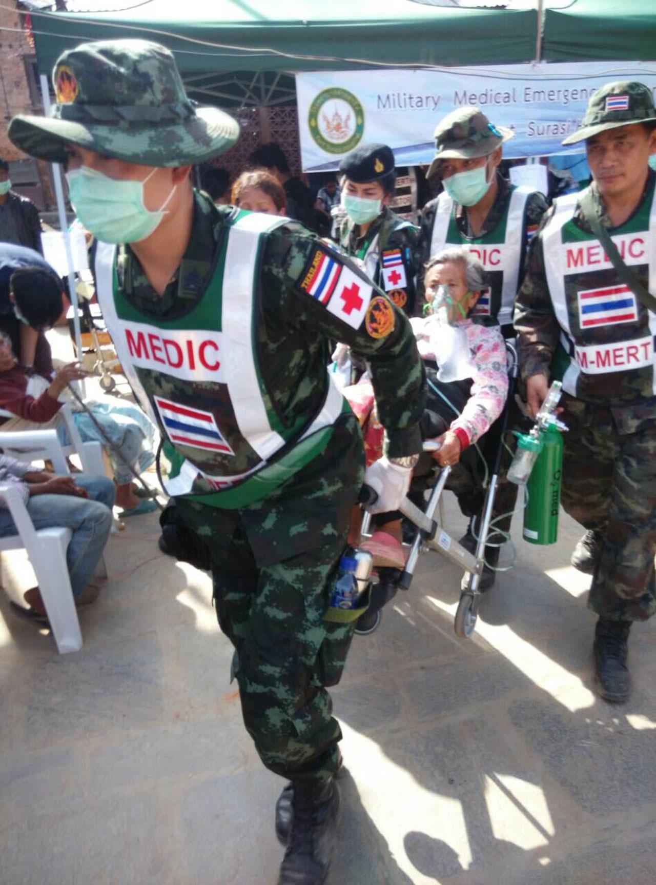 ทหารไทยโดยหน่วยแพทย์ เข้าช่วยเหลือชาวเนปาล