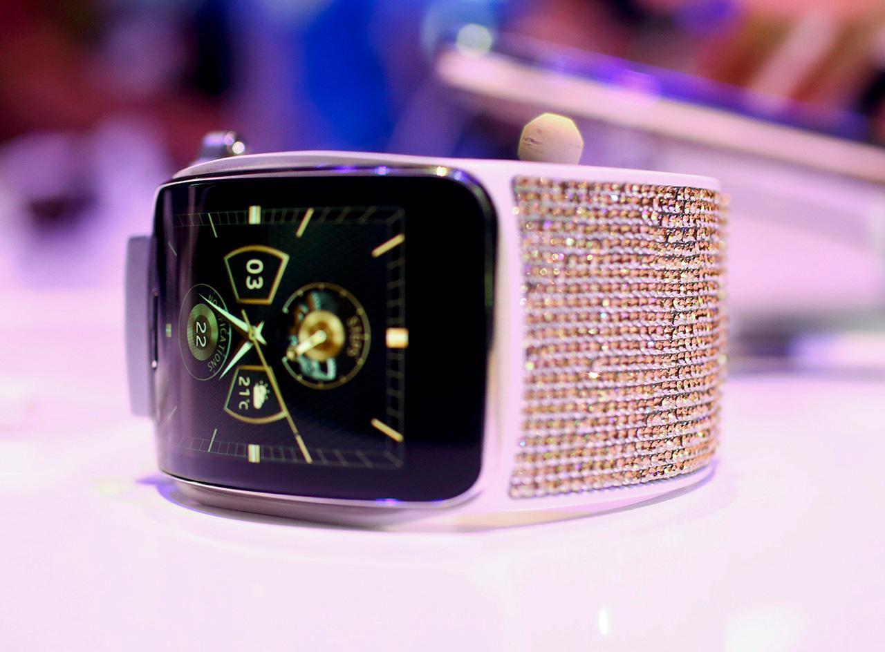 Galaxy Gear S ฝังเพชรของชวารอฟสกี