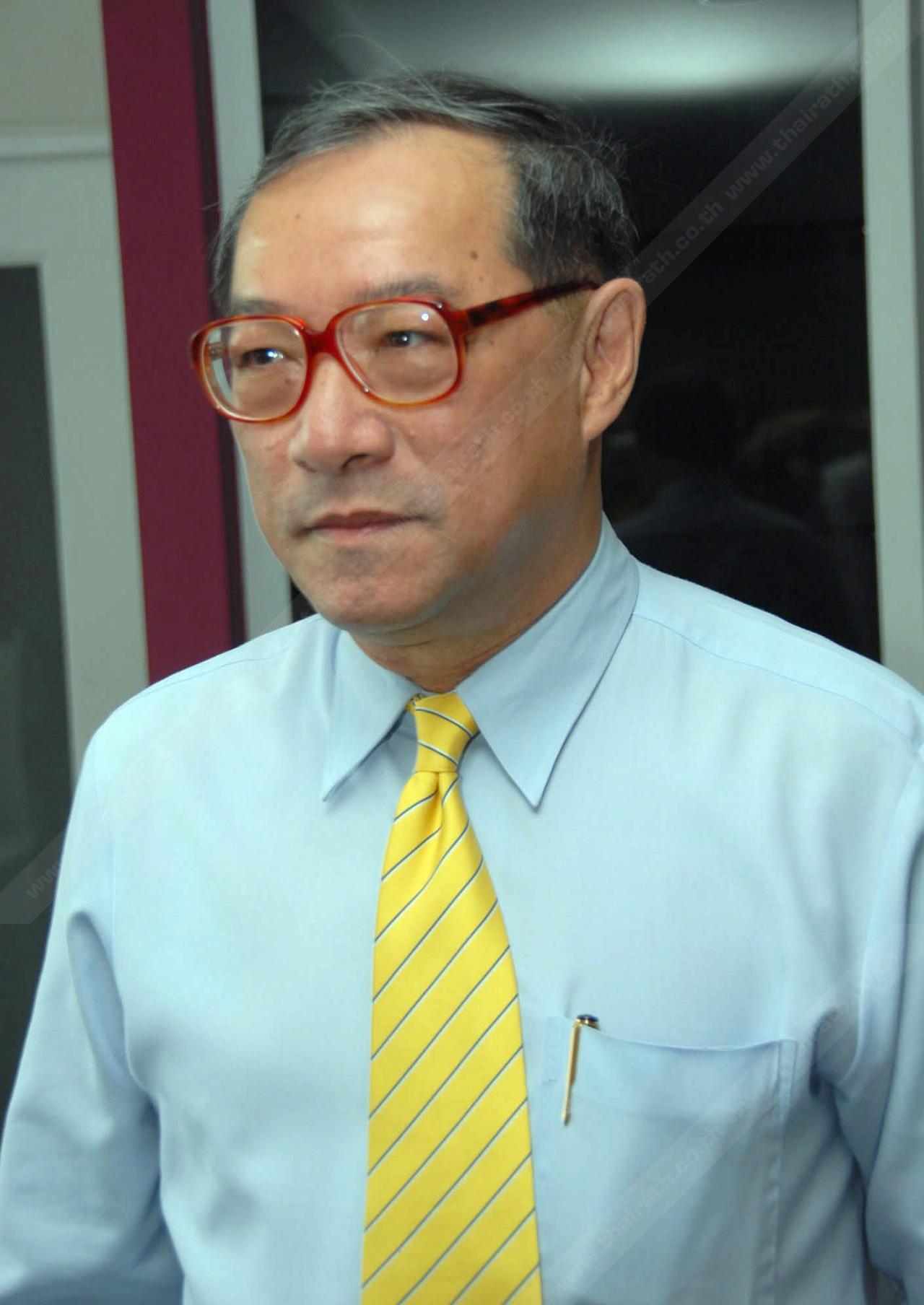 นายกฤษณพงศ์ กีรติกร รัฐมนตรีช่วยว่าการกระทรวงศึกษาธิการ