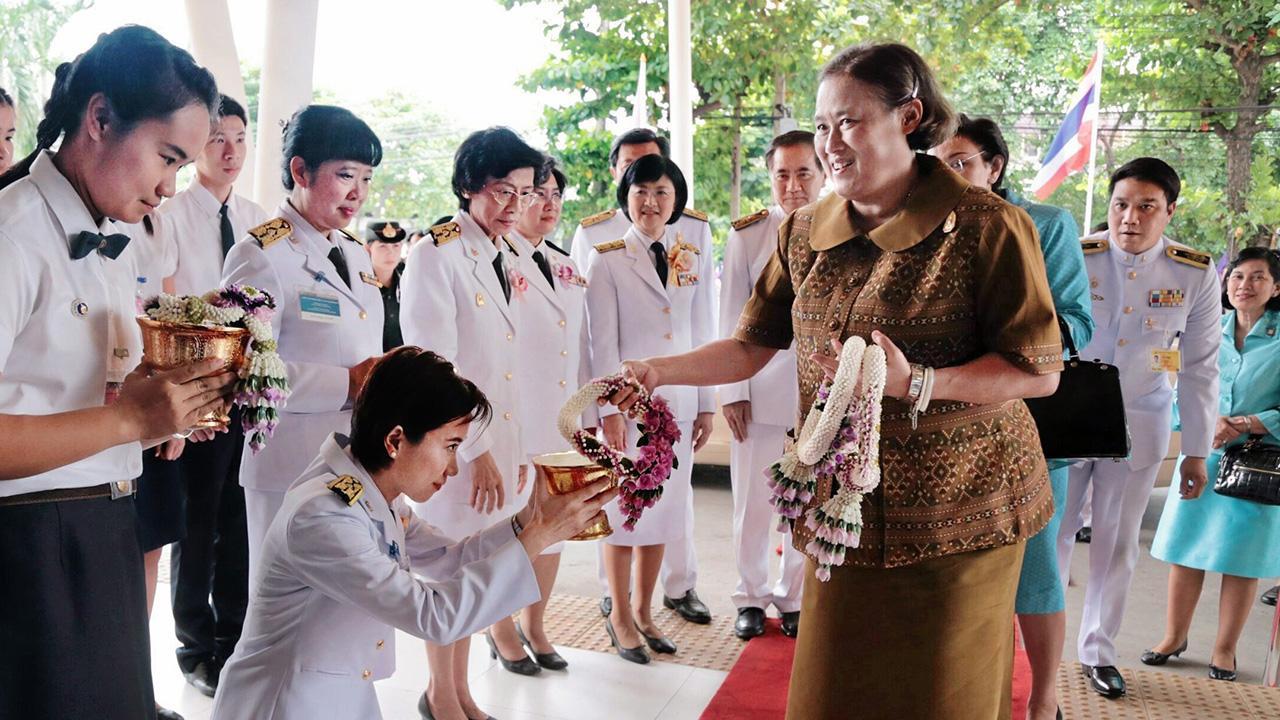 สมเด็จพระเทพรัตนราชสุดาฯ สยามบรมราชกุมารี เสด็จพระราชดำเนินไปทรงเปิด ศูนย์กายภาพบำบัด คณะกายภาพบำบัด มหาวิทยาลัยมหิดล และ ทรงเปิดการประชุมวิชาการและวิจัยนานาชาติ เรื่อง Successful Aging : from Basic to Advanced Knowledge ณ ศูนย์กายภาพบำบัด มหาวิทยาลัยมหิดล เมื่อวันที่ 1 สิงหาคม.