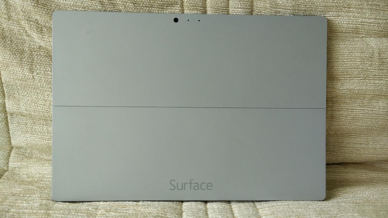Microsoft Surface Pro 3 ด้านหลัง