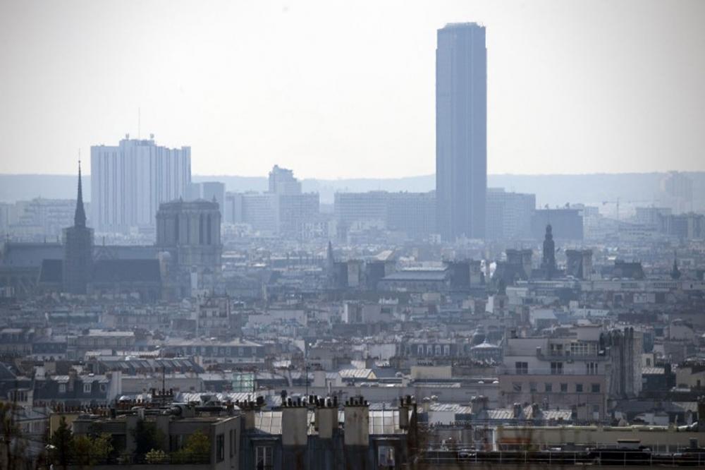 สภาพอากาศในกรุงปารีส ขมุกขมัวไปด้วยหมอกควันมลพิษ
