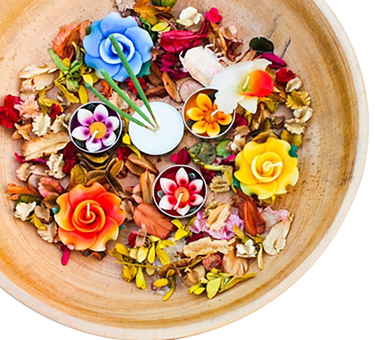 กระทงดอกไม้แห้ง ... เพิ่มบรรยากาศอบอวลด้วยกลิ่นหอมของดอกไม้ ขอบคุณภาพ : Pinterest.com