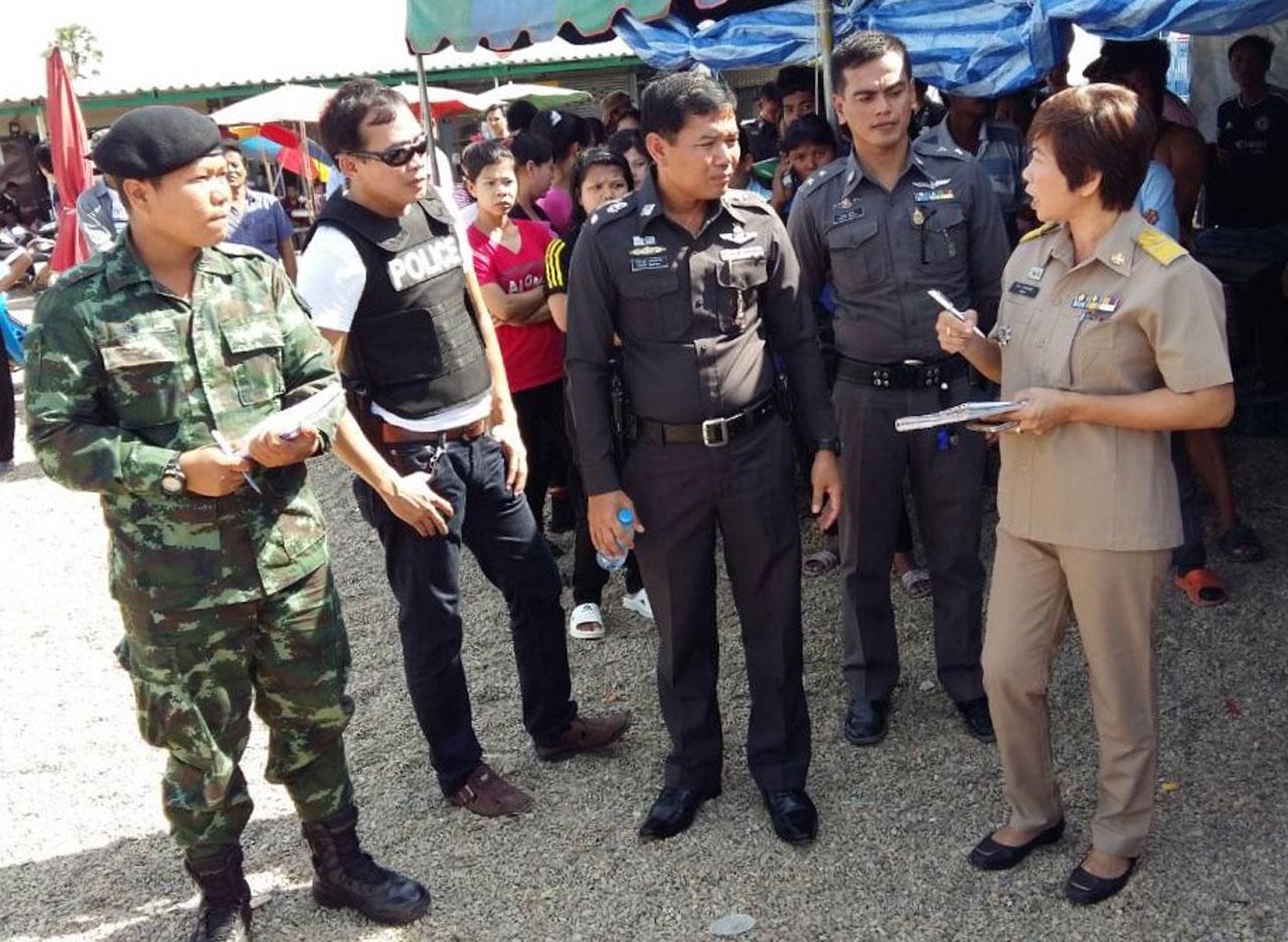 ฝ่ายบริหารร่วมกับเจ้าหน้าที่ตำรวจ ทหาร ฝ่ายปกครอง และบริษัทจัดหางาน หารือหาทางออก