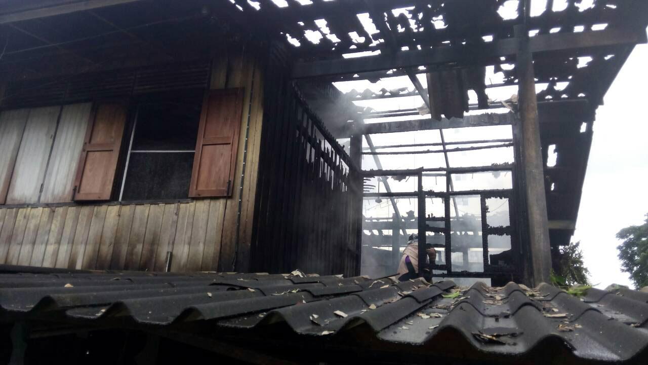 เพลิงไหม้ บ้านพักข้าราชการกระทรวงสาธารณสุข จ.ยะลา วอดไม่เหลือซาก