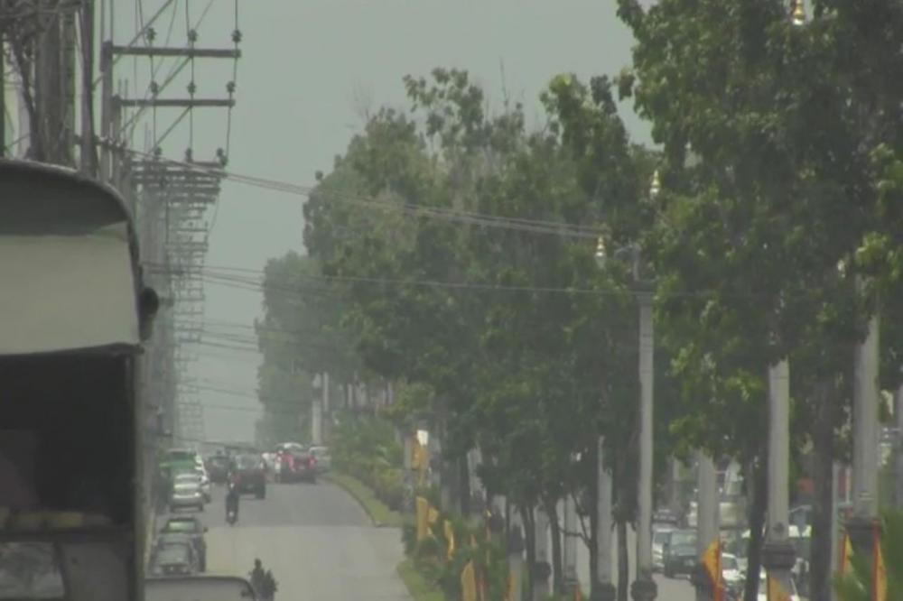 ควันไฟจาก อินโดนีเซียปกคลุม ทำให้ทัศนวิสัยแย่ และอากาศไม่บริสุทธิ์