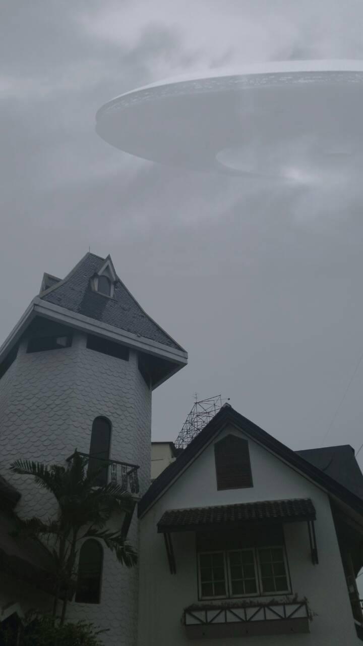 UFO โผล่ไทยรัฐย่านวิภาวดีรังสิต (ใครๆ ก็ทำได้)