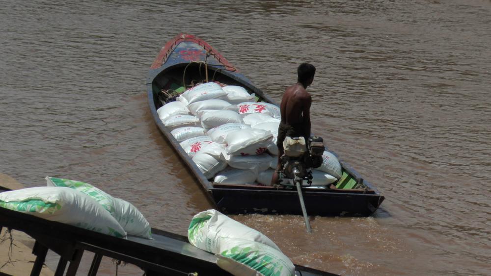 เริ่มนำสินค้าไปลงตามท่าเรือแทน ยอมเสียเวลาลดความเสี่ยงใช้สะพาน เพื่อความปลอดภัย