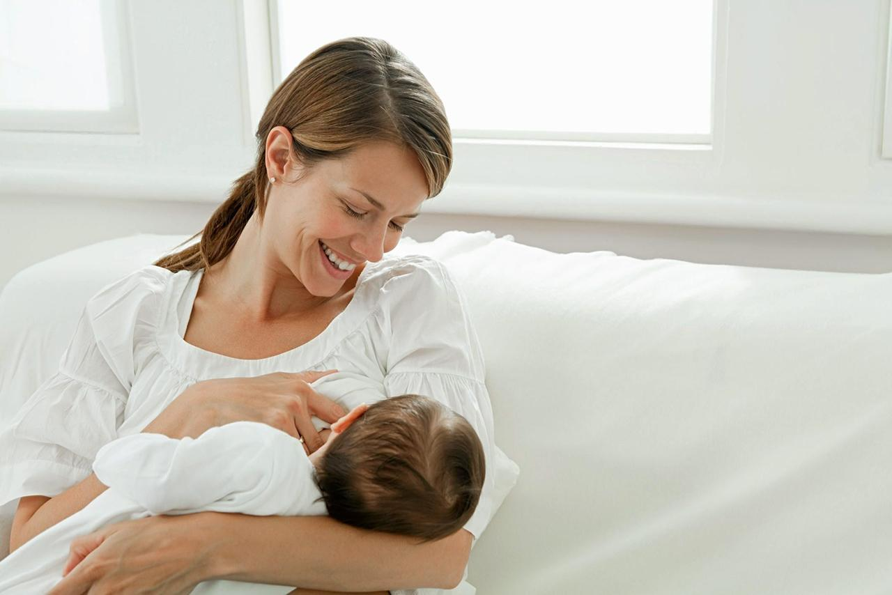 หากแม่ไม่สามารถให้น้ำนมแก่ลูกได้ สามารถทำเรื่องขอไปที่โรงพยาบาลเพื่อขอนมฟรีได้