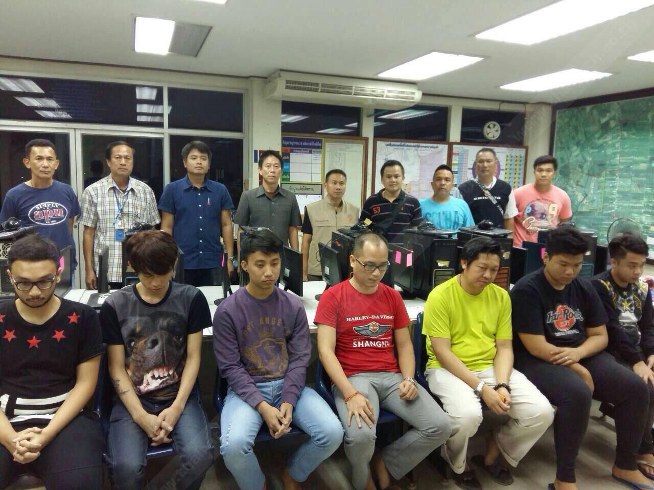 ตร.จับแก๊งชาวอินโดนีเซีย 7 คน เปิดบ่อนไพ่โป๊กเกอร์ออนไลน์ข้ามชาติ ซอยเคหะร่มเกล้า 64 แขวงคลองสองต้นนุ่น เขตลาดกระบัง กทม.