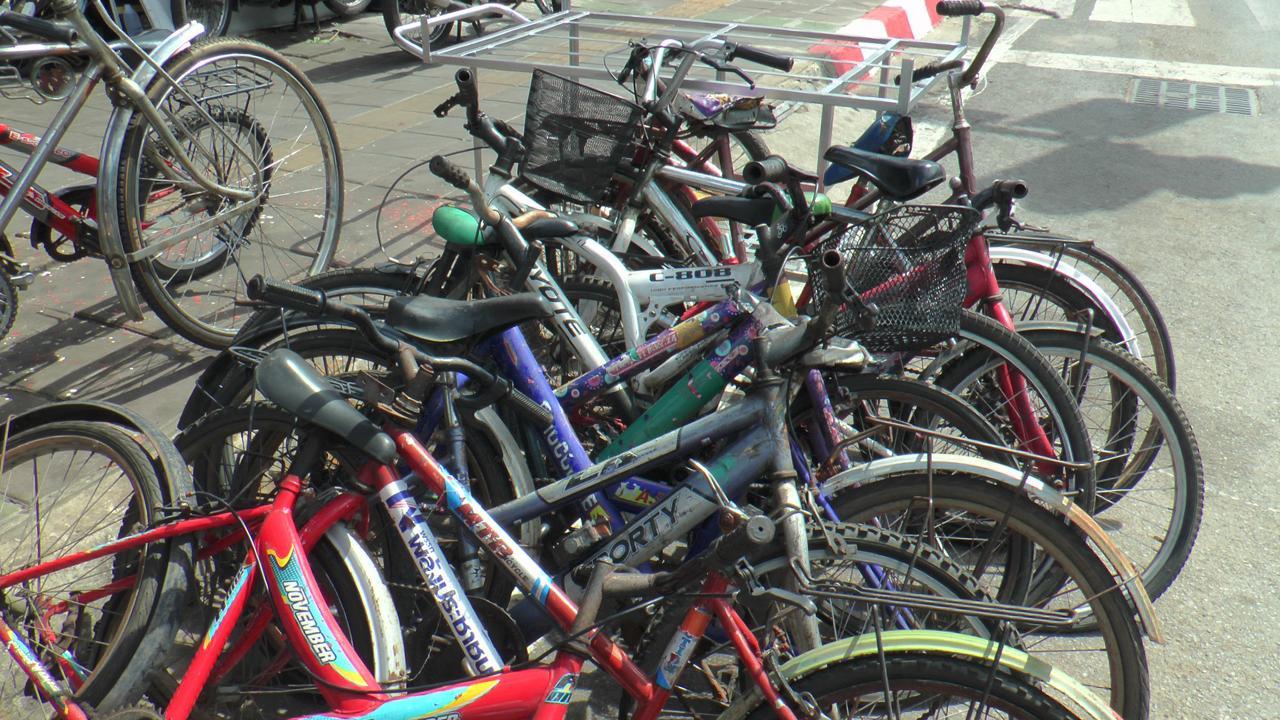 จักรยานเก่า ของที่ลูกค้าโคราช นำมาให้ร้านขายจักรยาน ซ่อมแซม เพื่อเตรียมร่วมปั่นกับโครงการ ไบด์ ฟอร์มัม