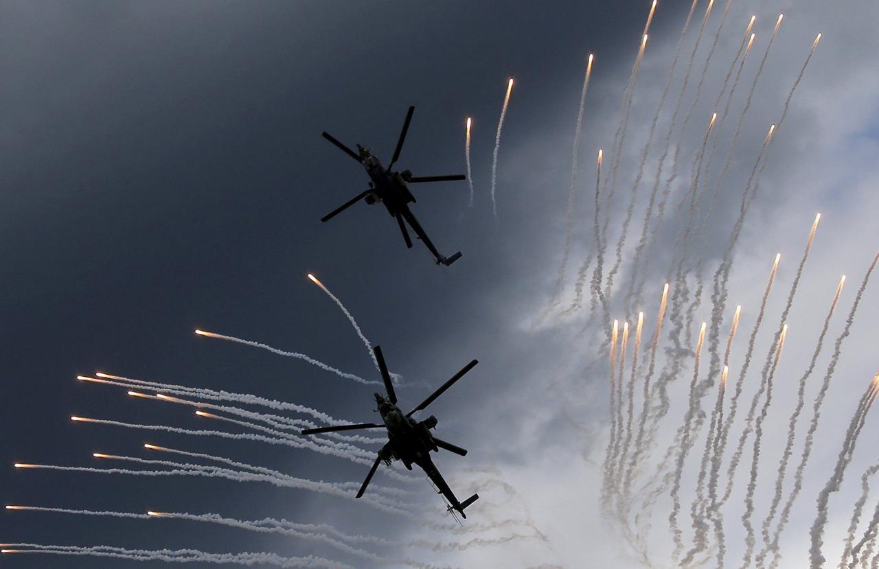 ภาพเฮลิคอปเตอร์ MI-28N ฮาวอค ก่อนจะร่วงในอีกไม่กี่วินาที