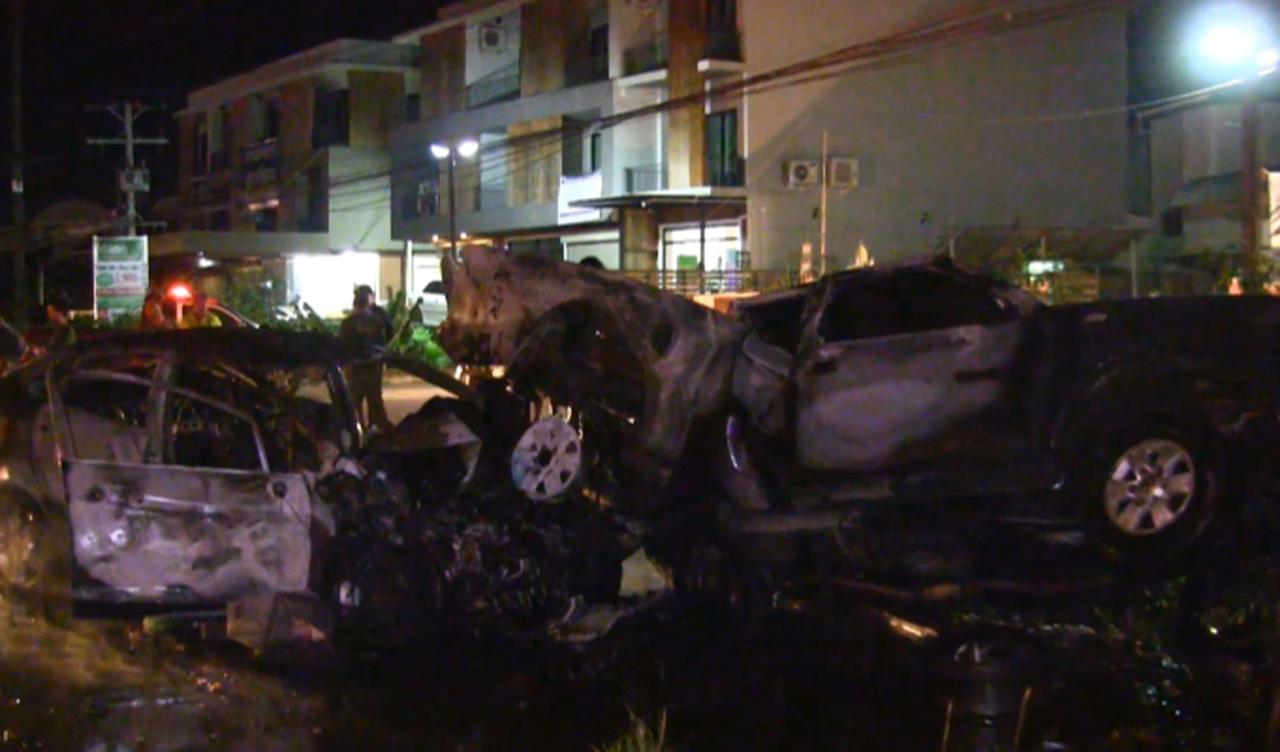 รถเก๋งพุ่งชนรถจยย.พ่วงข้าง ไฟลุกรุนแรง โชคดีไร้คนเสียชีวิตที่ สงขลา