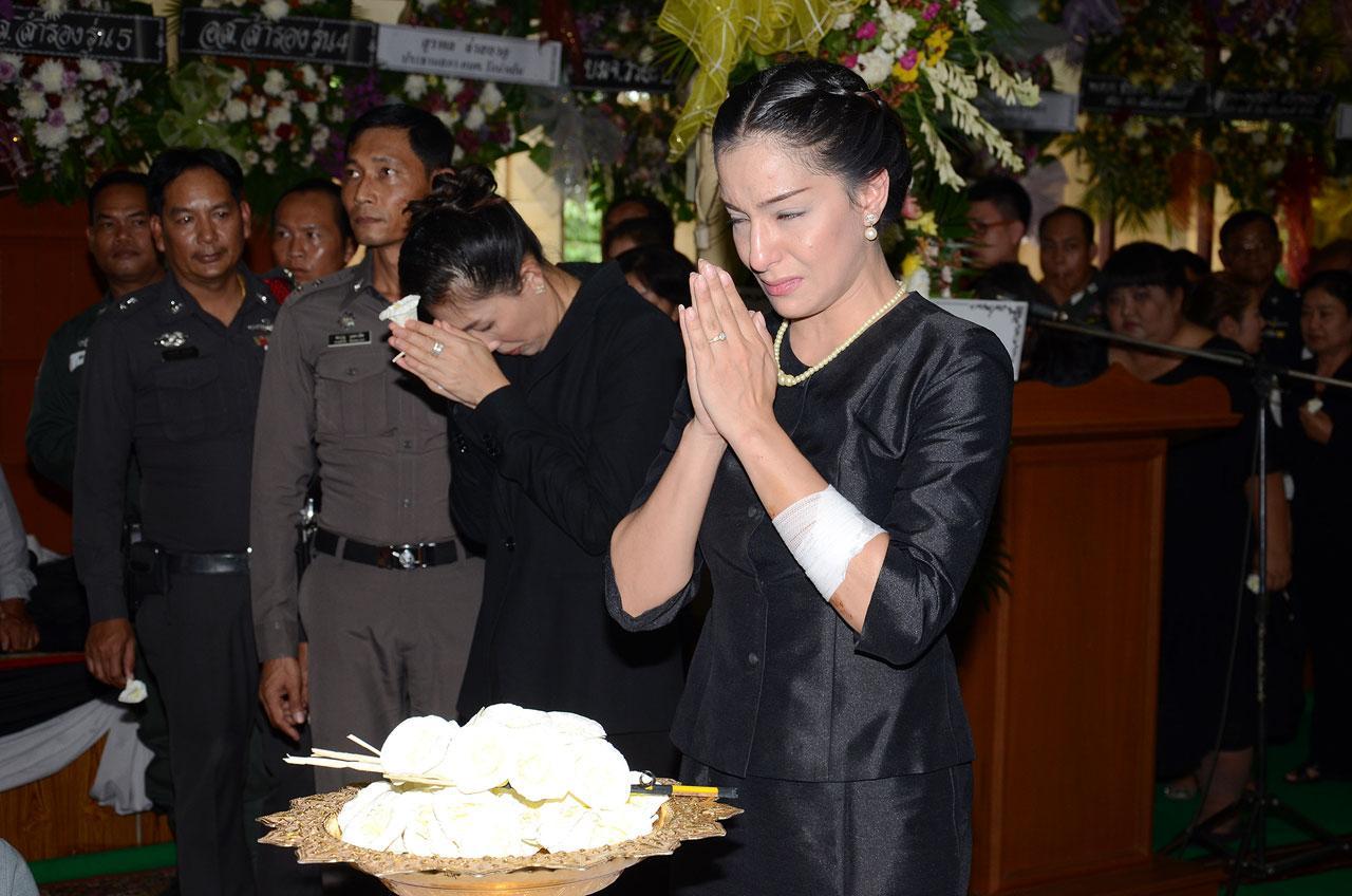 แอนนา รีส ขอบวชชีพราหมณ์ 5 วัน อุทิศส่วนกุศสลให้ผู้ตาย