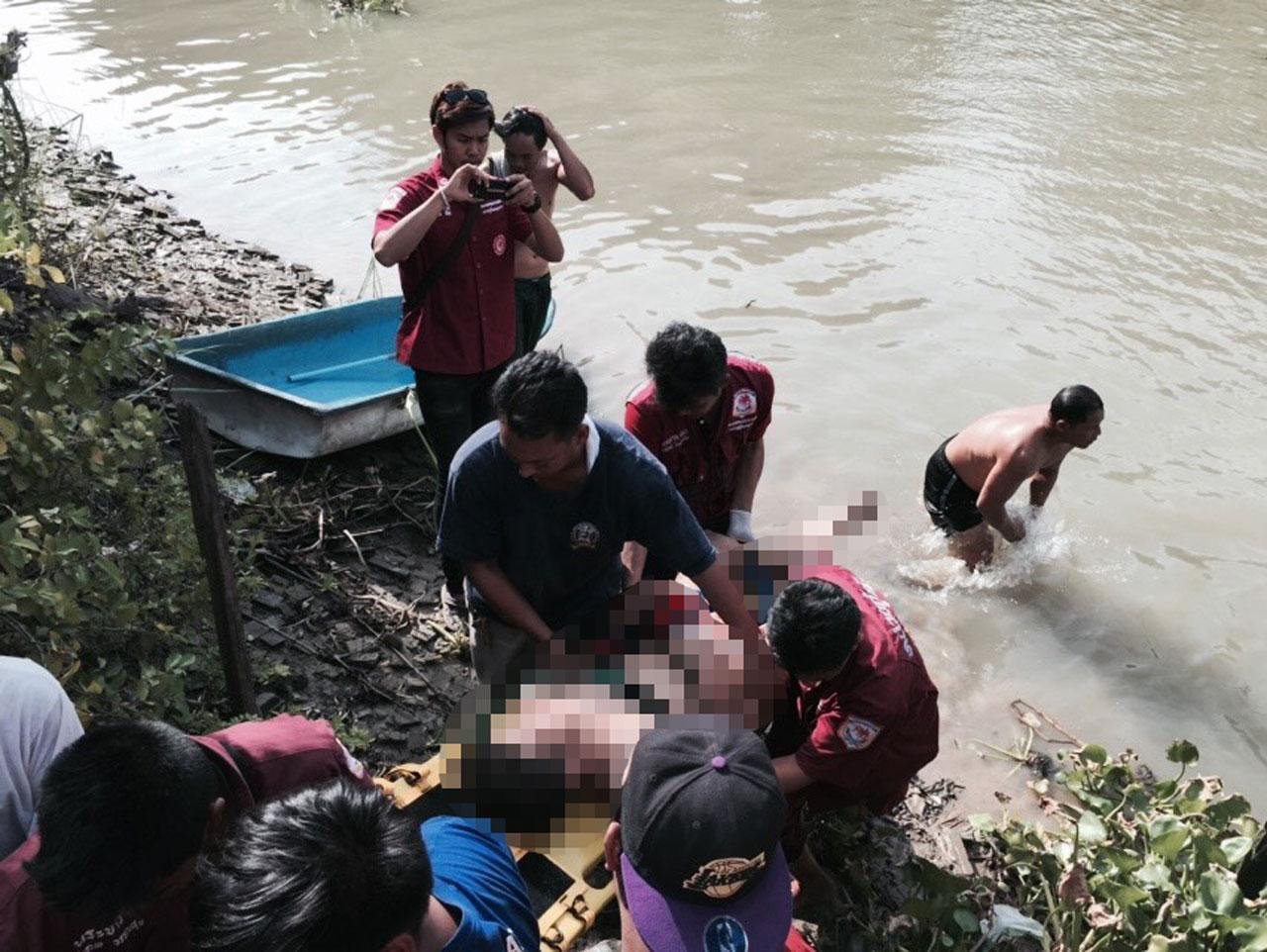 จนท.กู้ภัย งมหาศพเด็กวัยรุ่น ที่จมน้ำเสียชีวิตในคลองบางบาลจนเจอ ขณะชาวบ้าน ร่ำลือ ว่ามีอาถรรพ์