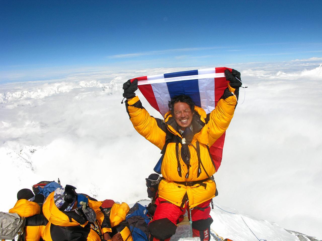 วิทิตนันท์ คนไทยผู้พิชิต ยอดเขาเอเวอเรสต์สำเร็จ.