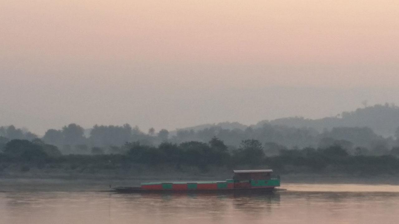การที่แม่น้ำโขงแห้งลงกระทบกับการเดินเรือสินค้าในแม่น้ำโขงอย่างมาก
