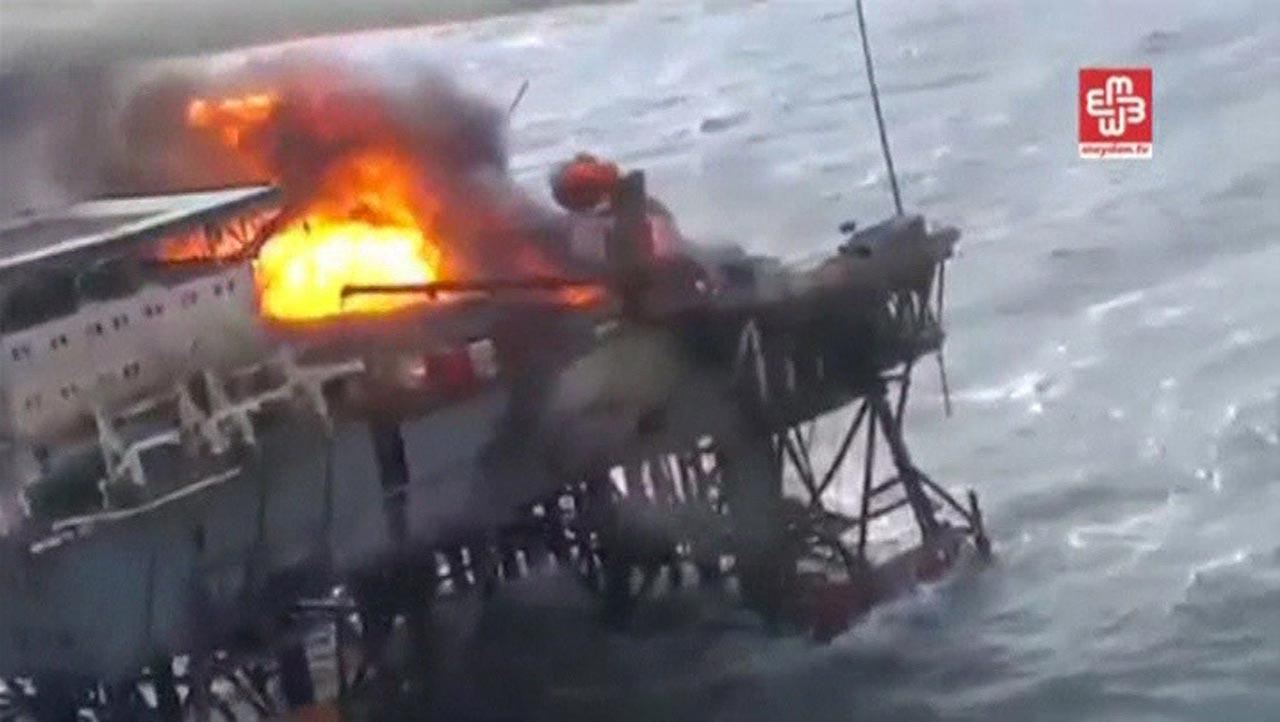 ไฟไหม้แท่นขุดเจาะน้ำมันของบริษัท SOCAR ของรัฐบาลอาเซอร์ไบจาน (ภาพ: REUTERS)