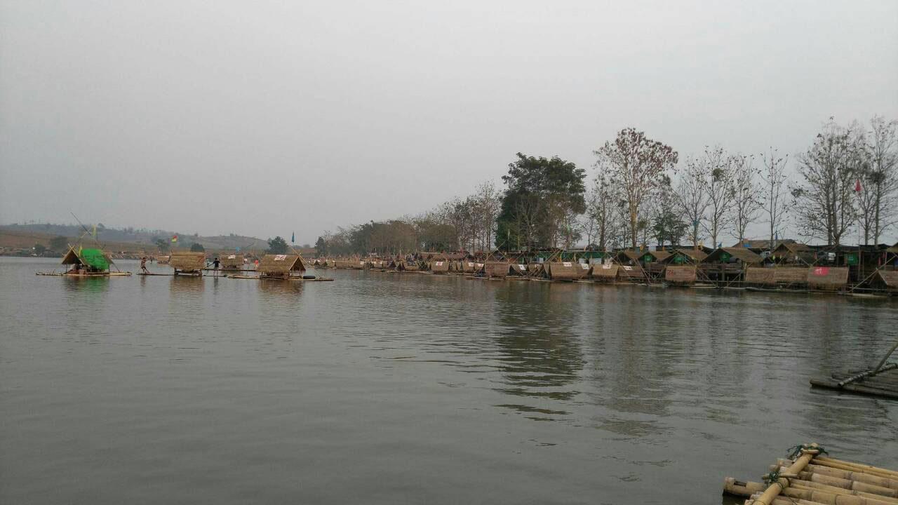 อบจ.ป่าสัก และชาวบ้านสันมะเค็ด ได้พัฒนาให้หนองบัวหลวง เป็นจุดท่องเที่ยว