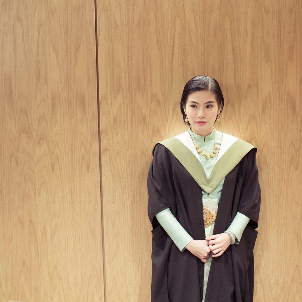 ชุดไทยบรมพิมานตัดเย็บโดยคุณป้าของหมอ