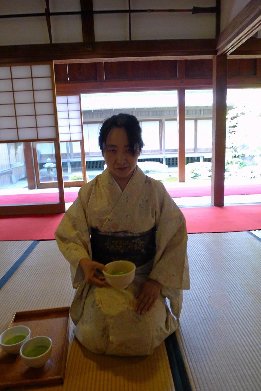 การชงชาแบบญี่ปุ่น.