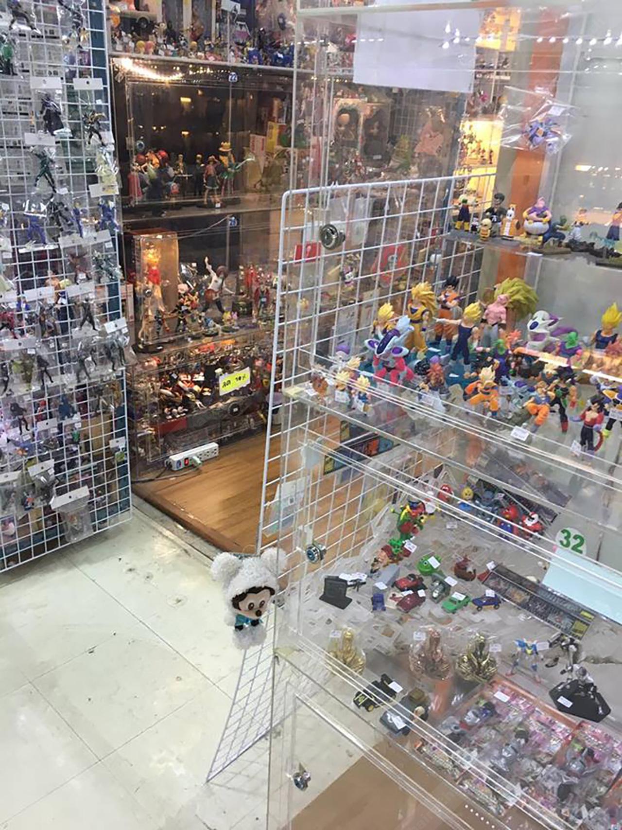 ร้านขายการ์ตูนโมเดล ศูนย์การค้าย่านงามวงศ์วาน