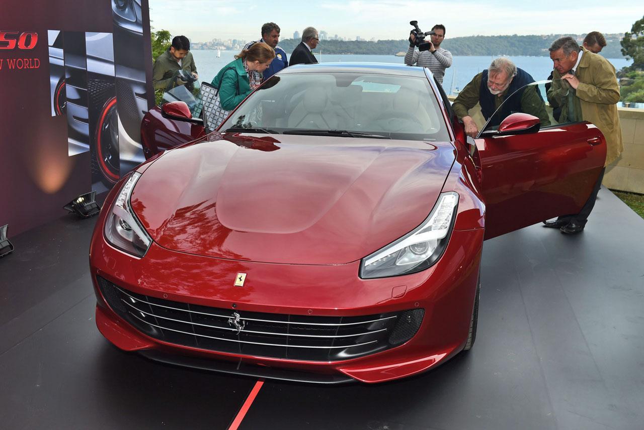 รถยนต์เฟอร์รารี่รุ่นใหม่