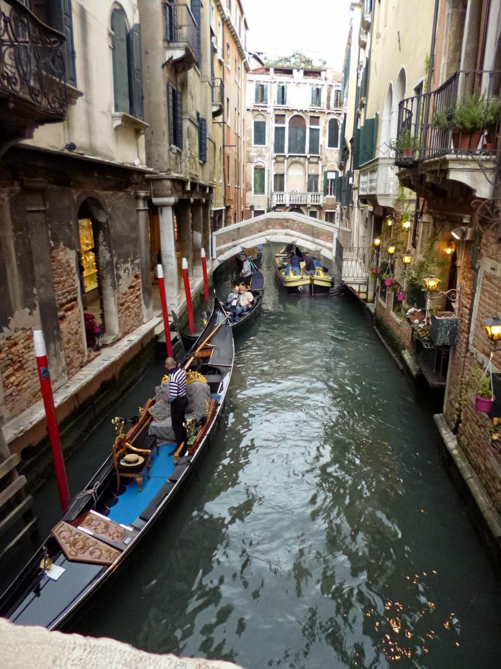 กอนโดลาแห่งเมืองเวนิส.